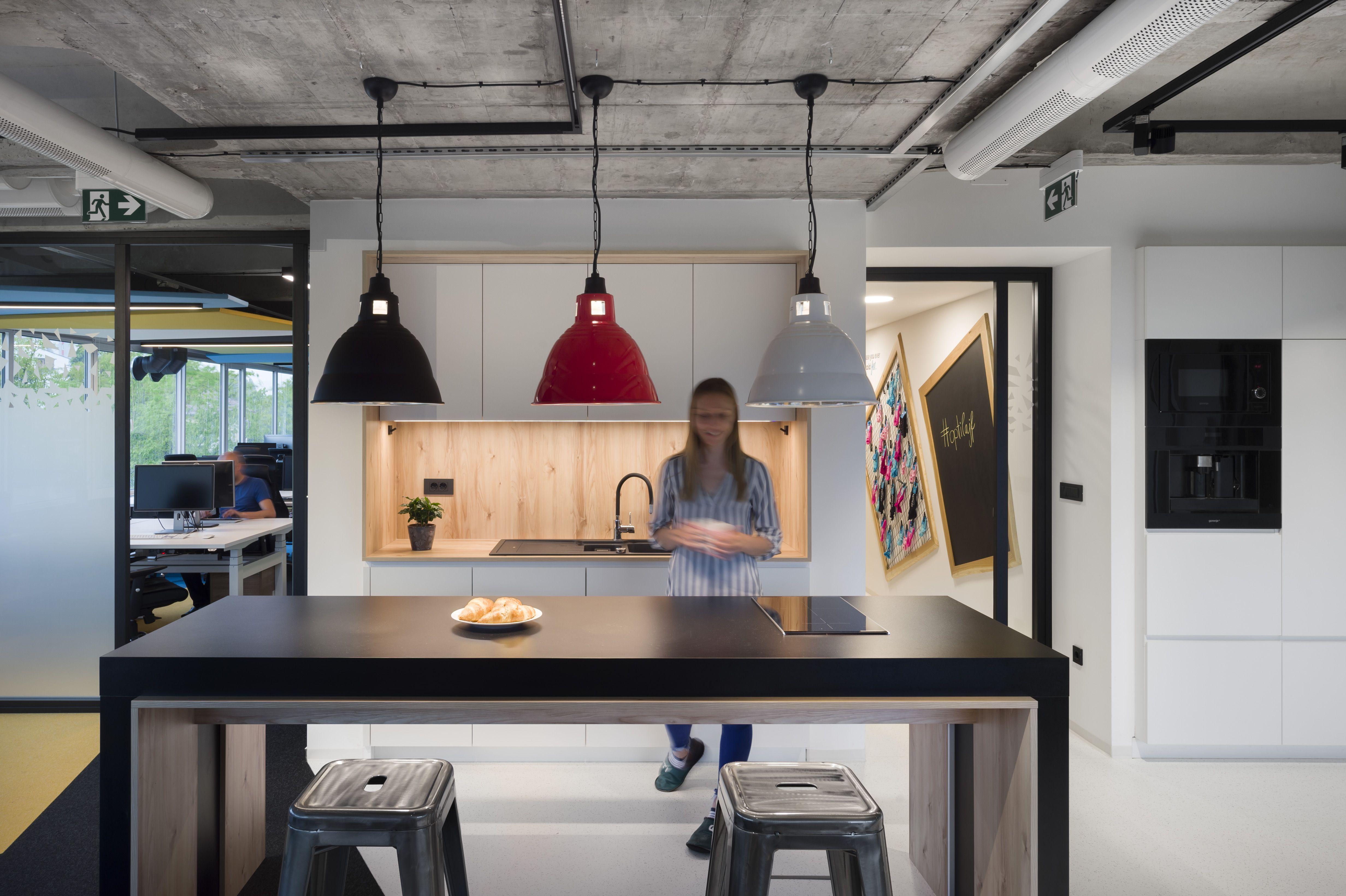 Kuhinja v prostorih podjetja Optiweb